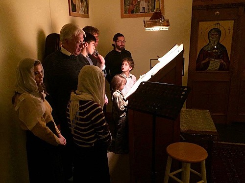 The choir sings the Akathist of Thanksgiving